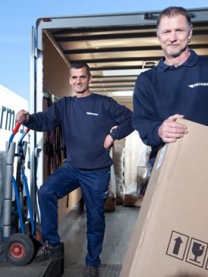 2 Mann Handling Mit Ausgezeichnetem Service Hermes